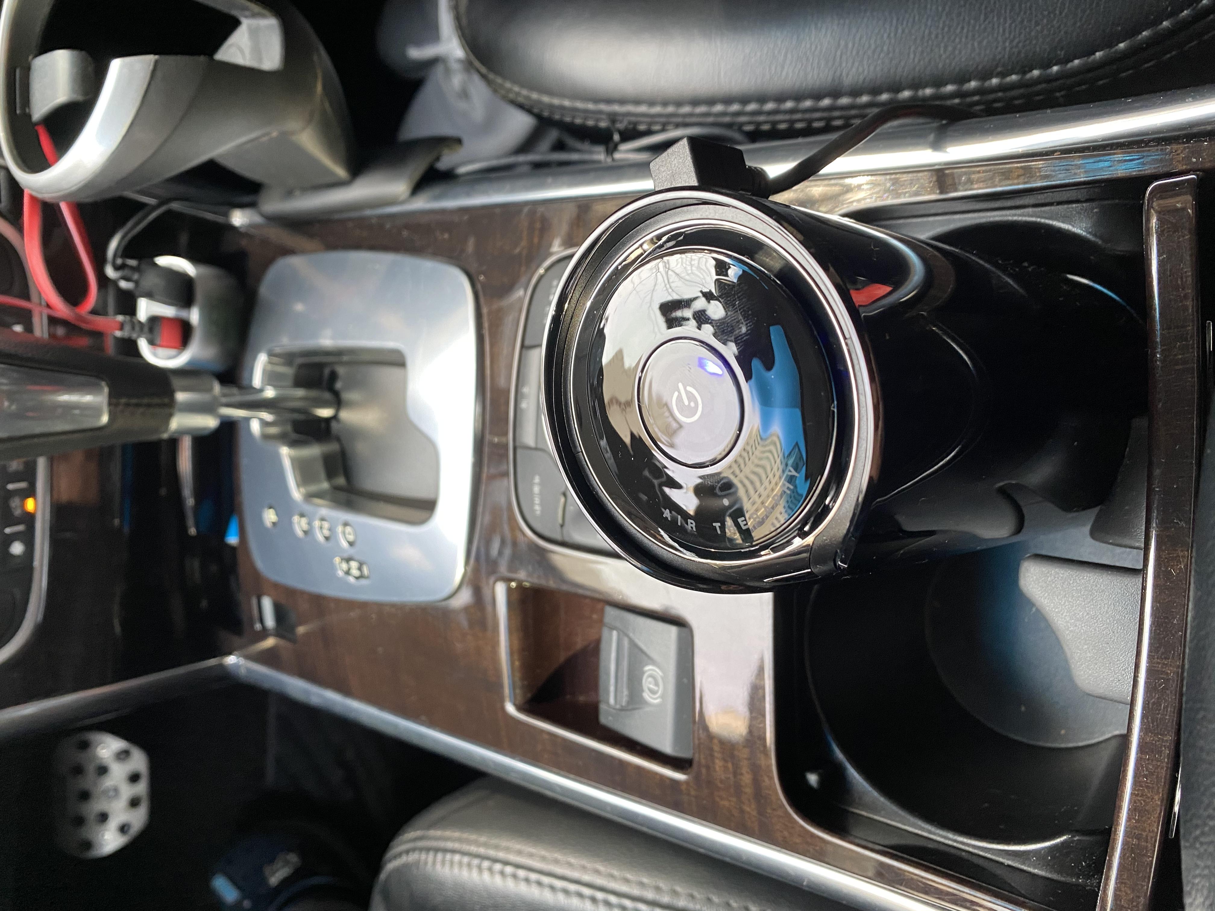 [불스원] 멀티액션 플러스 차량용 공기청정기(필터 총 3개)